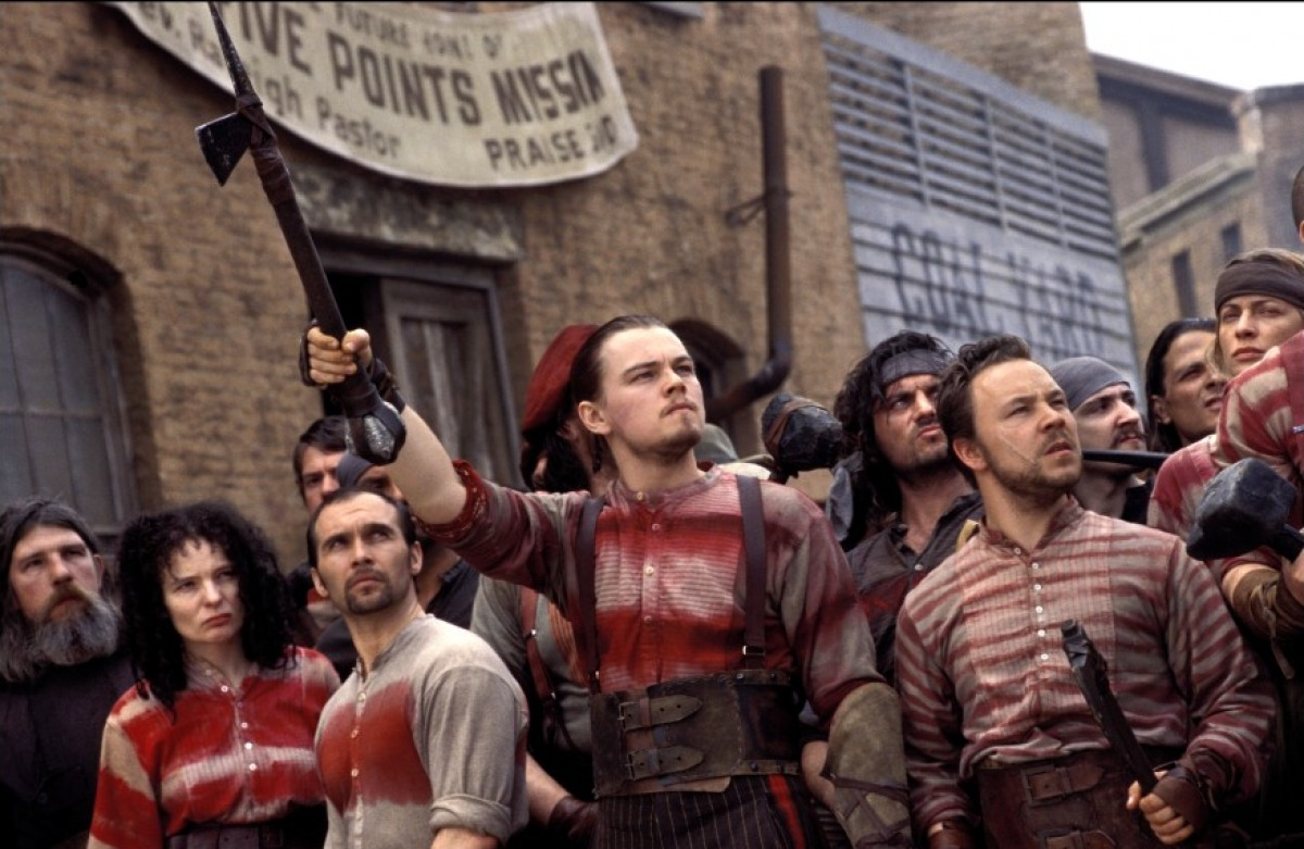 a summary of the movie gangs of new york Michael ballhaus, asc takes on martin scorsese's gangs of new york,  film  after hours, scorsese had been thinking about a very different new york story for  a number of  the story was herbert asbury's 1928 book the gangs of new  york,.