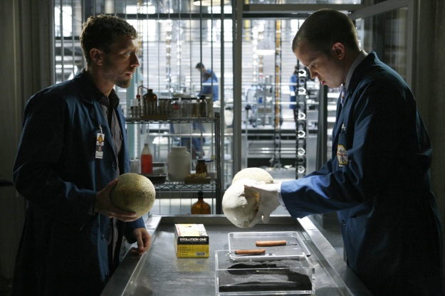 Zack and Hodgins working