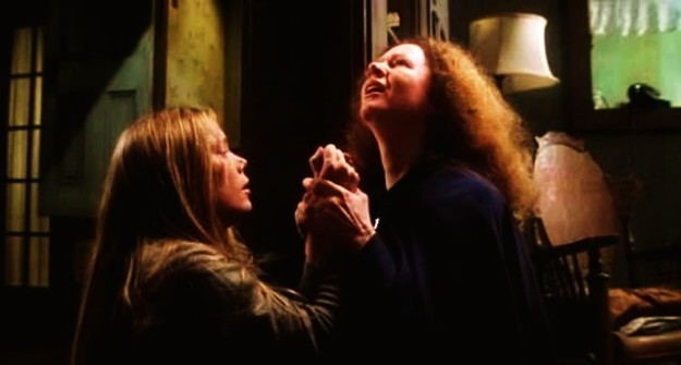 carrie 1976 mom prays for her sins