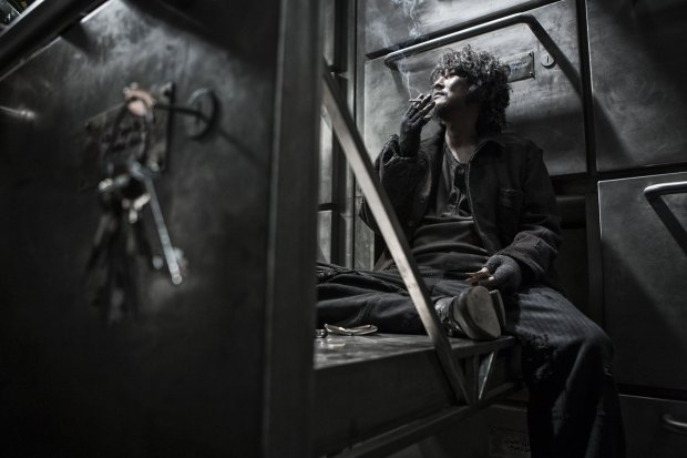 snowpiercer smoking