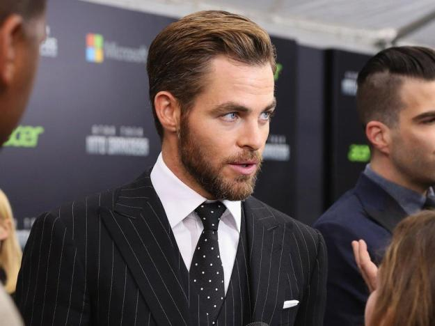 chris-pine suit