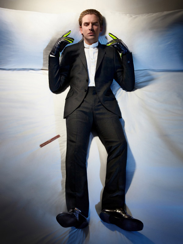 dan stevens suit
