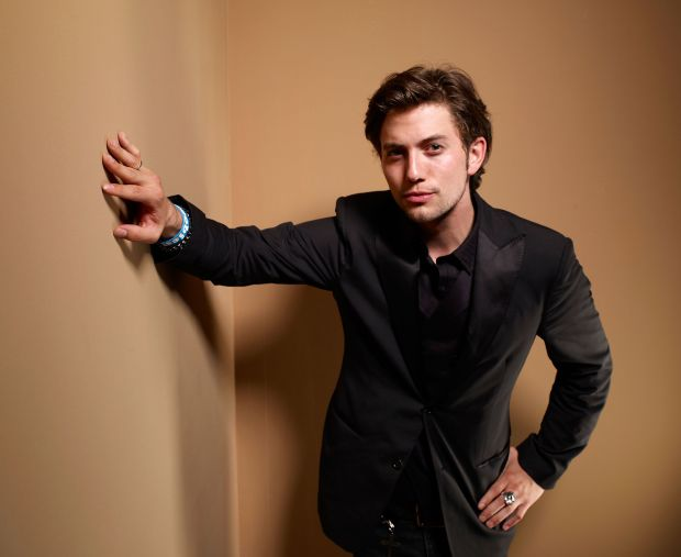 jackson rathbone suit