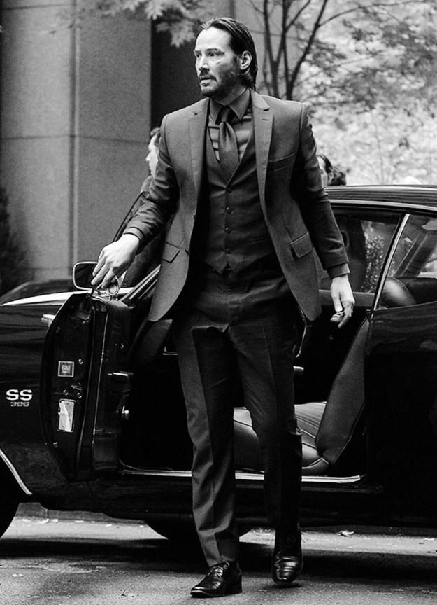 keanu reeves suit