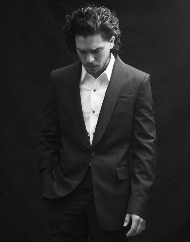 kit harington suit