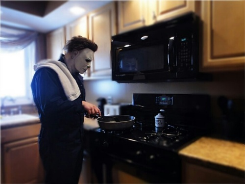 michael-myers-halloween-cooking-free-time